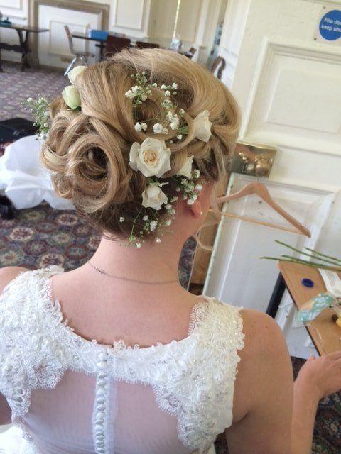 neckline details of wedding dress