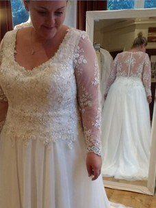 happy curvy bride